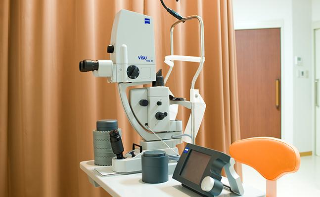 レーザー光凝固装置: 一台で網膜疾患、緑内障、後発白 内障のレーザー治療が可能です